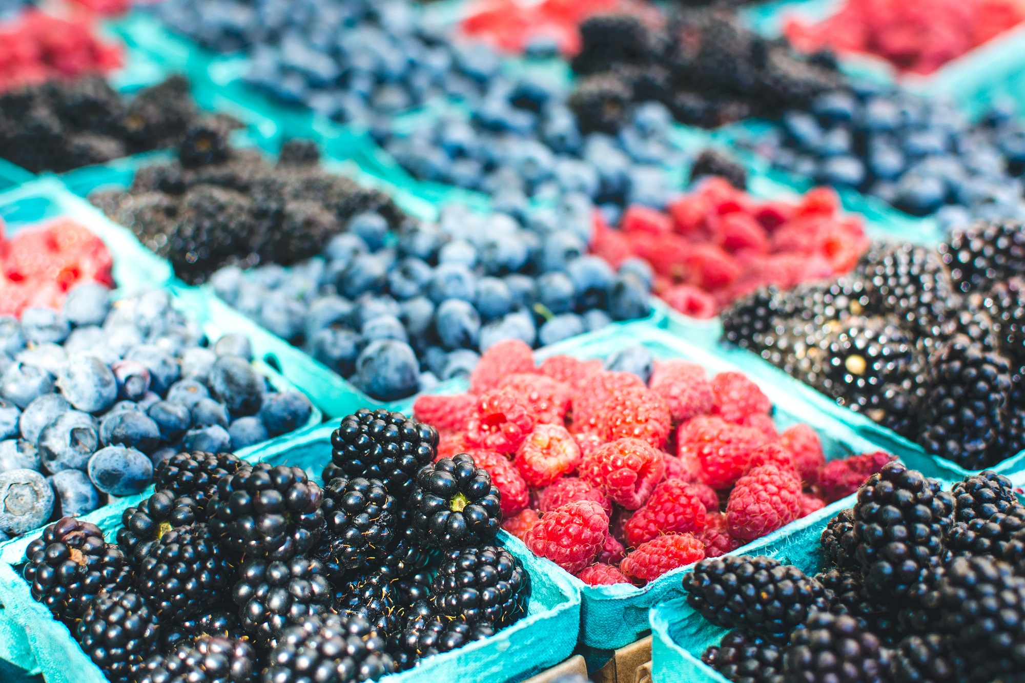 foodiesfeed.com_healthy-berries-on-a-market1